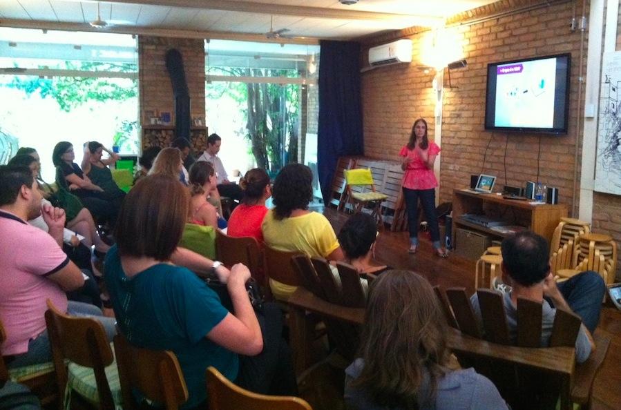 Natalia Kelbert apresentou o treinamento para consultorias